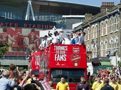 There was a massive turnout at the Arsenal FA Cup parade.  #COYG