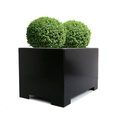 Perfect for the container-gardener, the Alora Rectangle Planter offers maximum impact with a minimalistic design. - Hand-constructed from recycled 16 gauge sheet-metal steel, this sturdy planter combi