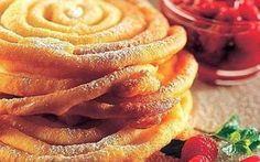Gli strauben sono un dolce fritto tipico dell'Alto Adige, della Baviera, di una parte dell'Austria e del Trentino #strauben #ricette #cucina