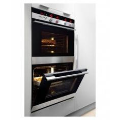 You get five different baking modes with the DCS Double Wall Oven, from conventional bake to convection and pastry bake modes. Electric Wall Oven, Kitchen Appliances, Kitchens, Fisher, Door Handles, Household, Wall Lights, Wall Ovens, Stainless Steel