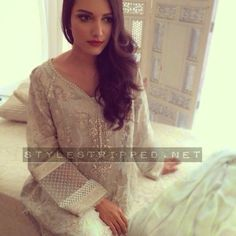 Style Stripped - Pakistan's Premier Fashion and Lifestyle Portal.: Behind the scene: Elan Eid Collection
