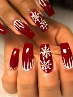 On average, the finger nails grow from 3 to millimeters per month. If it is difficult to change their growth rate, however, it is possible to cheat on their appearance and length through false nails. Christmas Gel Nails, Holiday Nails, Red Acrylic Nails, Red Nails, Cute Nails, Pretty Nails, Cool Nail Designs, Colorful Nail Designs, Winter Nails