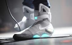 Las zapatillas de Back to the Future saldrán a la venta http://www.mundotkm.com/us/moda/41504/las-zapatillas-de-back-to-the-future-saldran-a-la-venta