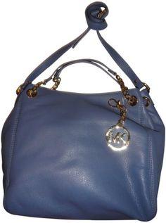 a67a06ec4405 Michael Kors purse in blue!