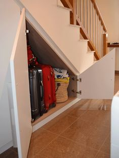Inventive Staircase Design Tips for the Home – Voyage Afield Basement Stairs, House Stairs, Stair Storage, Cupboard Storage, Under Stairs Cupboard, Elegant Curtains, Home Organisation, Man Cave Garage, Staircase Design