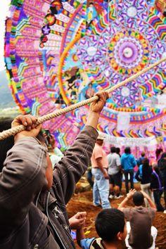 Barriletes Gigantes, Guatemala traditions.
