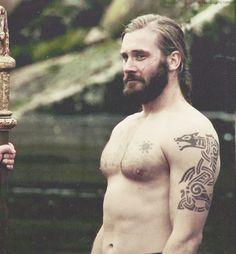 Rollo is so freaking hot!!! (From Vikings)