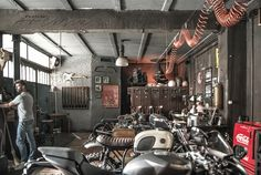 MOTORBIKES ON THE LIVING ROOM OR LIKE LIVING ROOM ON THE GARAGE? | PAULINA…