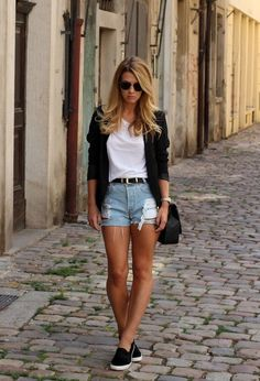 Chic White Tee Outfit Idea with Denim Shorts