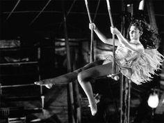 Der Himmel über Berlin (wings of desire) 1987 Directed by: Wim Wenders the track by: Laurie Anderson Cannes, Wim Wenders Film, Berlin Spree, Michael Haneke, Wings Of Desire, Gq, Romantic Movie Quotes, Rainer Maria Rilke, Nick Cave