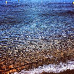 Acqua cristallina atmosfera ovattata luce calda di #settembre #capoliveri #elba #island #sea #blu #blue #relax
