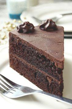 Drop Dead Chocolate Cake @Rosa Mayland