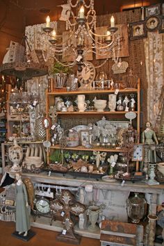 Browsing Boerne, Texas – A quaint Hill Country town--Wall dsplay booth displays shelves Antique Store Displays, Vintage Shop Display, Antique Mall Booth, Antique Booth Ideas, Antique Market, Vintage Market, Antique Stores, Vintage Shops, Flea Market Booth