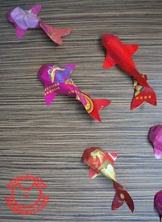 Eat your heart out kids craft gold fish lantern for for Ang pow koi fish tutorial