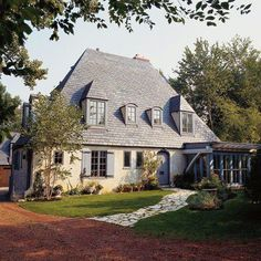 Brilliantly combining rustic and refined, country French-style homes never forget the past even while charging into the future. Find inspiration for adding a bit of country French to your home. French Cottage, French Country House, French Country Decorating, Country Homes, European House, French Style Homes, Colonial Style Homes, Bamboo Roof, French Country Exterior