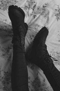 - Three Comfortable and Fashionable Black Boots That I Couldn't Take off This Winter Source by fabichaaan shoes Edgy Outfits, Grunge Outfits, Sneakers Fashion, Fashion Shoes, Mens Fashion, Hijab Fashion, Ankle Boots, Shoe Boots, Aesthetic Shoes