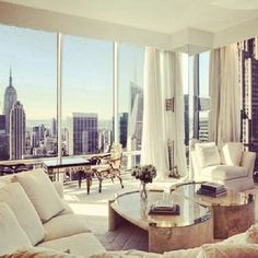 I have always dreamed of having a high rise apartment in New York.. one day, one day!!