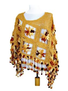 Poncho en ganchillo hecho a mano - Handmade crochet poncho.