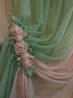 Romantic cottage decorating shabby green pink curtains with roses