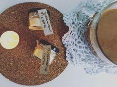 Komu truskawkowe ciastko? 🧁 Dostępne w mini świecach (5zl) i w tealightach (2zl) #moliocandle #candles #soywax #soycandles #soywaxcandles…