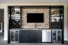 Before and After: A Texas Home Gets a Sophisticated Update Custom Basement Bar Design Home Bar Plans, Basement Bar Plans, Wet Bar Basement, Basement Bar Designs, Modern Basement, Basement Remodeling, Basement Finishing, Basement Ideas, Finished Basement Bars