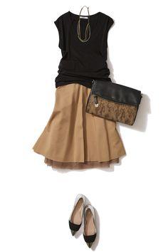 シックでエレガントなモカベージュは リバーシブルスカートで秋まで満喫