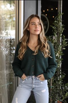 We are obsessed with our Mya Cropped Cardigan, it's perfect for a casual day. Spring Dresses Casual, Cute Casual Outfits, Casual Church Outfits, September Outfits, Cardigan Outfits, Chunky Cardigan Outfit, Cropped Cardigan, Mode Style, Fall Winter Outfits