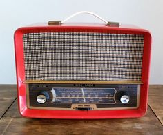 Ekco Vintage Radio Red 1950s Bakelite by darcyelizavintage on Etsy