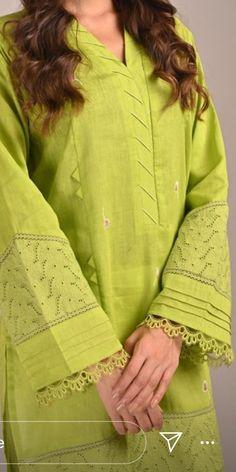 Kurti Sleeves Design, Kurta Neck Design, Sleeves Designs For Dresses, Pakistani Dresses Casual, Indian Fashion Dresses, Pakistani Dress Design, Neckline Designs, Dress Neck Designs, Blouse Designs