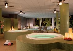 The water circuit at Dreams Spa by Pevonia offers a variety of showers, plunge pools and jacuzzis to soothe and refresh.