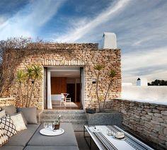 Can Bikini. Puro lujo en el norte de Ibiza · Can Bikini. A luxury private home in Ibiza