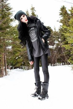 winter outfits leggins 48 Awesome Winter Outfit Id - winteroutfits Grunge Outfits, Layering Outfits, Gothic Outfits, Edgy Outfits, Cool Outfits, Winter Outfits For School, Winter Outfits Women, Casual Winter Outfits, Outfits For Teens