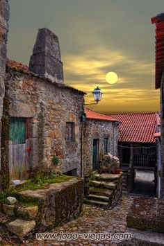Monsanto Village (made entirely of stone), Portugal Places Around The World, Oh The Places You'll Go, Places To Travel, Places To Visit, Around The Worlds, Beautiful World, Beautiful Places, Toscana Italia, Under The Tuscan Sun