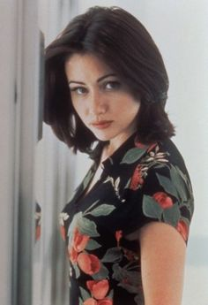 Shannen Doherty poster, mousepad, t-shirt, Serie Charmed, Charmed Tv Show, Shannen Doherty Charmed, Shannon Dorothy, Hollywood Actresses, Actors & Actresses, Pretty People, Beautiful People, Jennie Garth
