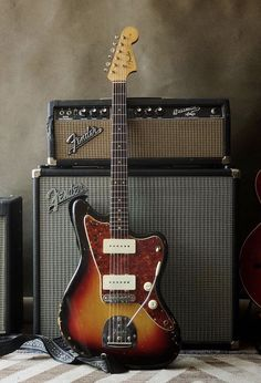 Fender Electric Guitar, Fender Guitars, Guitar Solo, Reign, Roads, Guitars, Musica, Road Routes, Street