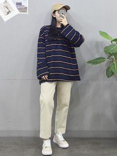 Korean Girl Fashion, Korean Fashion Trends, Ulzzang Fashion, Korean Street Fashion, Korea Fashion, Tomboy Fashion, Teen Fashion Outfits, Asian Fashion, Look Fashion