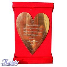 Cadouri personalizate pentru orice ocazie de la Kadoly Cu siguranta ca fiecare dintre noi am fost pusi la un moment dat in fata situatiei cumpararii unui cadou mai deosebit pentru un eveniment mai deosebit din viata noastra, pentru cei dragi noua. Fie ca este vorba de un cadou pentru nunta, un cadou pentru botez, ceva mai deosebit pentru nasi sau...  https://articole-promo.ro/cadouri-personalizate-pentru-orice-ocazie-de-la-kadoly/