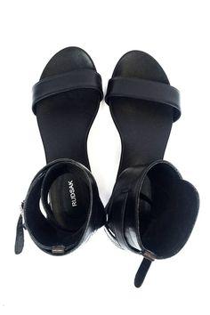 Sandales noires en cuir
