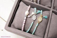 Armbänder - ★ Goldiges Armband türkis mit Hamsa Hand ★ Quaste  - ein Designerstück von NaniSchmuck bei DaWanda