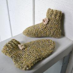 Baby Socks/Booties- Wool-Green Stardust