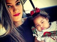 Flávia Checcucci com a filha de 10 meses, em Salvador (Foto: Arquivo pessoal)