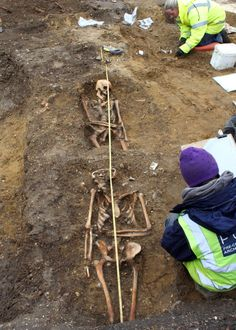 HADDENHAM, ENGLAND—Archaeologists excavating the parking lot of a village pub have discovered nine burials that are believed to date to the early Saxon era, around the sixth century A.D