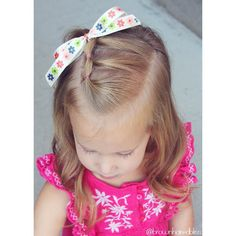 """1,398 Likes, 15 Comments - ANGIE SMITH • HAIR TUTORIALS (@brownhairedbliss) on Instagram: """"3 elastics on top for little sis....super simple toddler style. I like the look of doing the…"""""""