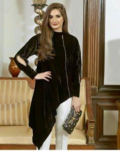 Velvet Clothing Is Best Option In Winter 4 - Yasmin FashionsVelvet clothing is best option in winter - Yasmin FashionsChristmas winter fashion. Stylish Dresses, Simple Dresses, Casual Dresses, Fashion Dresses, Western Dresses For Women, Beautiful Dresses For Women, Beautiful Women, Pakistani Dress Design, Pakistani Dresses