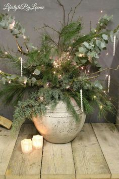 Flowers Arrangements Dry Christmas 59 Ideas For 2019 Christmas Urns, Christmas Greenery, Christmas Arrangements, Black Christmas, Flower Arrangements, Christmas Wreaths, Christmas Crafts, Ideas Decoracion Navidad, Deco Floral