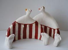Gallerij Source by laufenklaus Paper Mache Clay, Clay Art, Sculptures Céramiques, Sculpture Art, Ceramic Clay, Ceramic Pottery, Ceramic Figures, Pottery Sculpture, Paperclay