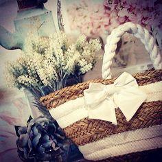 #MandarinaHome #Mandarina #cuadro #lienzo #flor #peonia #lavanda #cristal #cesta #bolso  #lazo #decoración #regalo #primavera #primavera2015 #blanco #azul