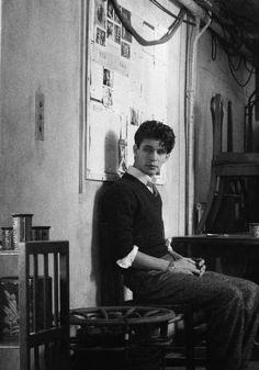 Ben Whishaw as Freddie Lyon