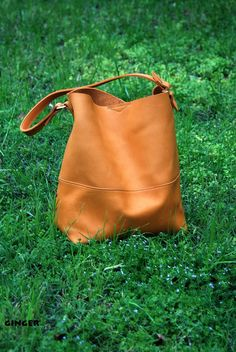 Catalina Leather Hobo Bag / Handmade Leather by BuboHandmade leather hobo handbags Leather Hobo Handbags, Burberry Handbags, Prada Handbags, Leather Purses, Tennessee, Hobo Purses, Purses And Handbags, Leather Bags Handmade, Day Use