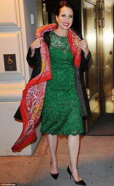 I love Andie Macdowell's big ole red scarf worn with that green dress. She looks great.